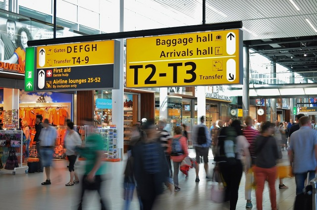 airport-384562_1280 (1)